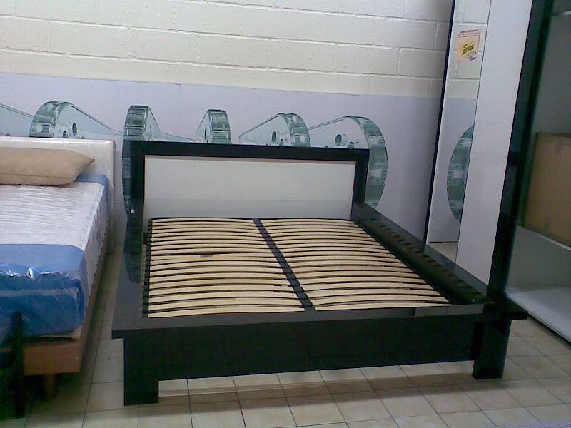 lits baza meubles salons literies tapis en ile de france. Black Bedroom Furniture Sets. Home Design Ideas